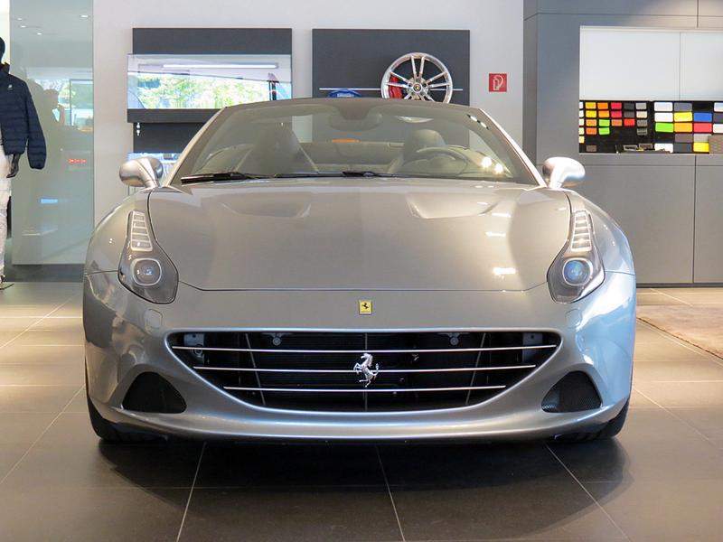 https://sportwagen-versicherungen.de/wp-content/uploads/Ferrari_California_T_1.png