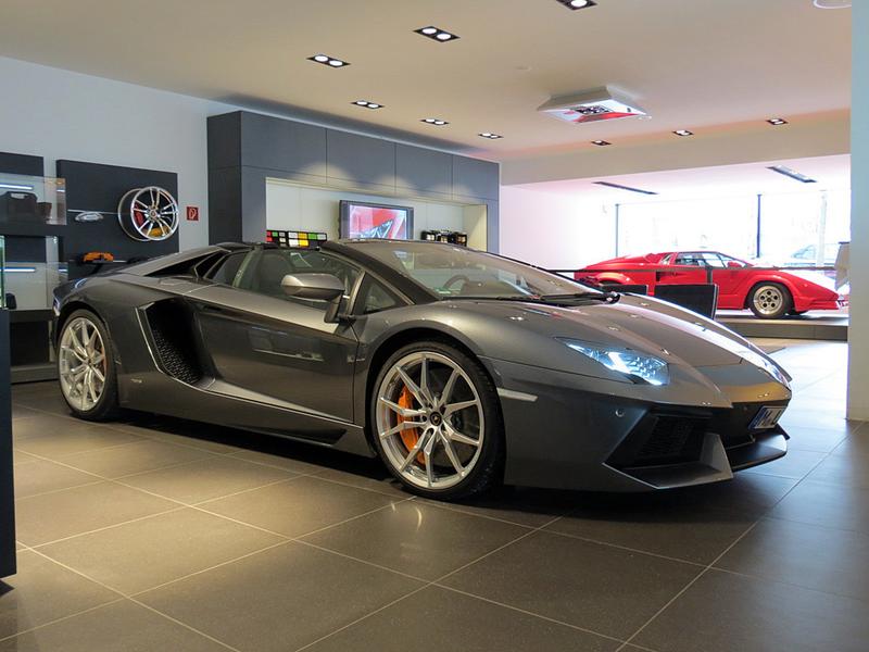 https://sportwagen-versicherungen.de/wp-content/uploads/Lamborghini-Aventador-LP-700-4-Roadster_1.png