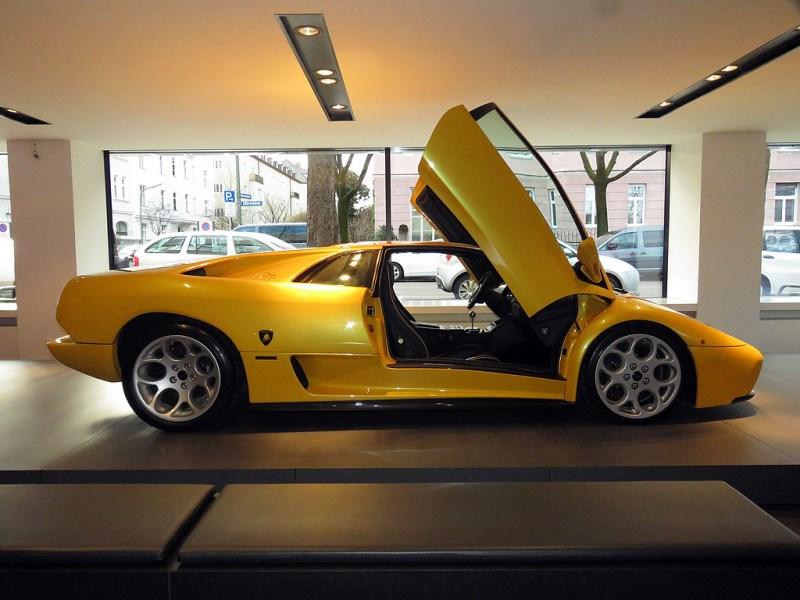 https://sportwagen-versicherungen.de/wp-content/uploads/Lamborghini_Diablo_VT_6.0_1.jpg